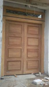 Kusen Pintu yang beum dicat